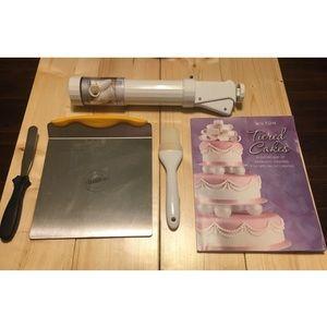 Wilton Cake Decorating Bundle#2-5 Items